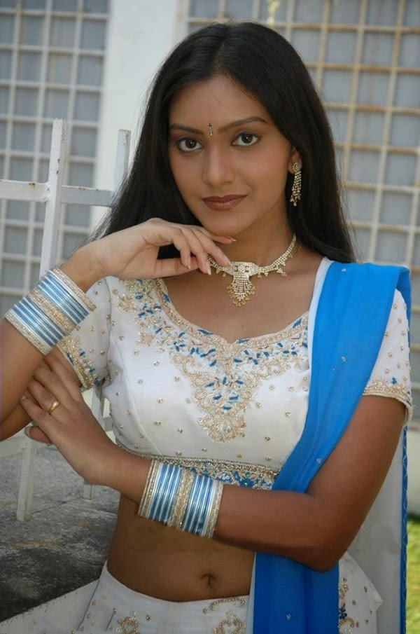Tv Serial Actress Lahari Hot Photo Shoots
