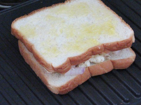 grilled paneer sandwich 3