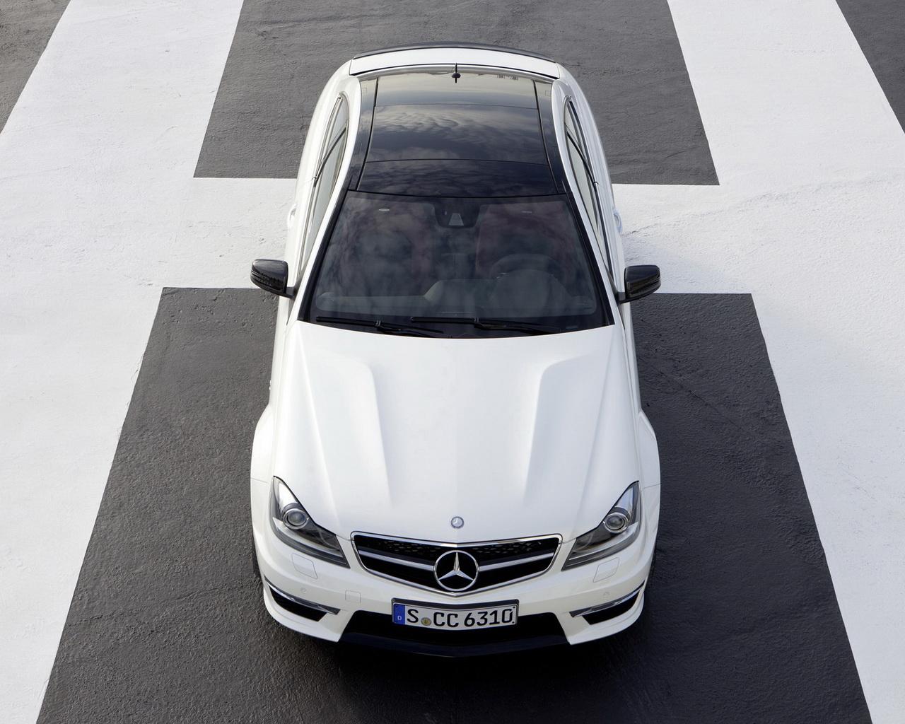 http://2.bp.blogspot.com/-ZcrM1j22cL8/TgpITzKerRI/AAAAAAAADoA/2D-X2-D6esc/s1600/Mercedes-Benz-C-63-AMG-Coupe-wallpaper.jpg