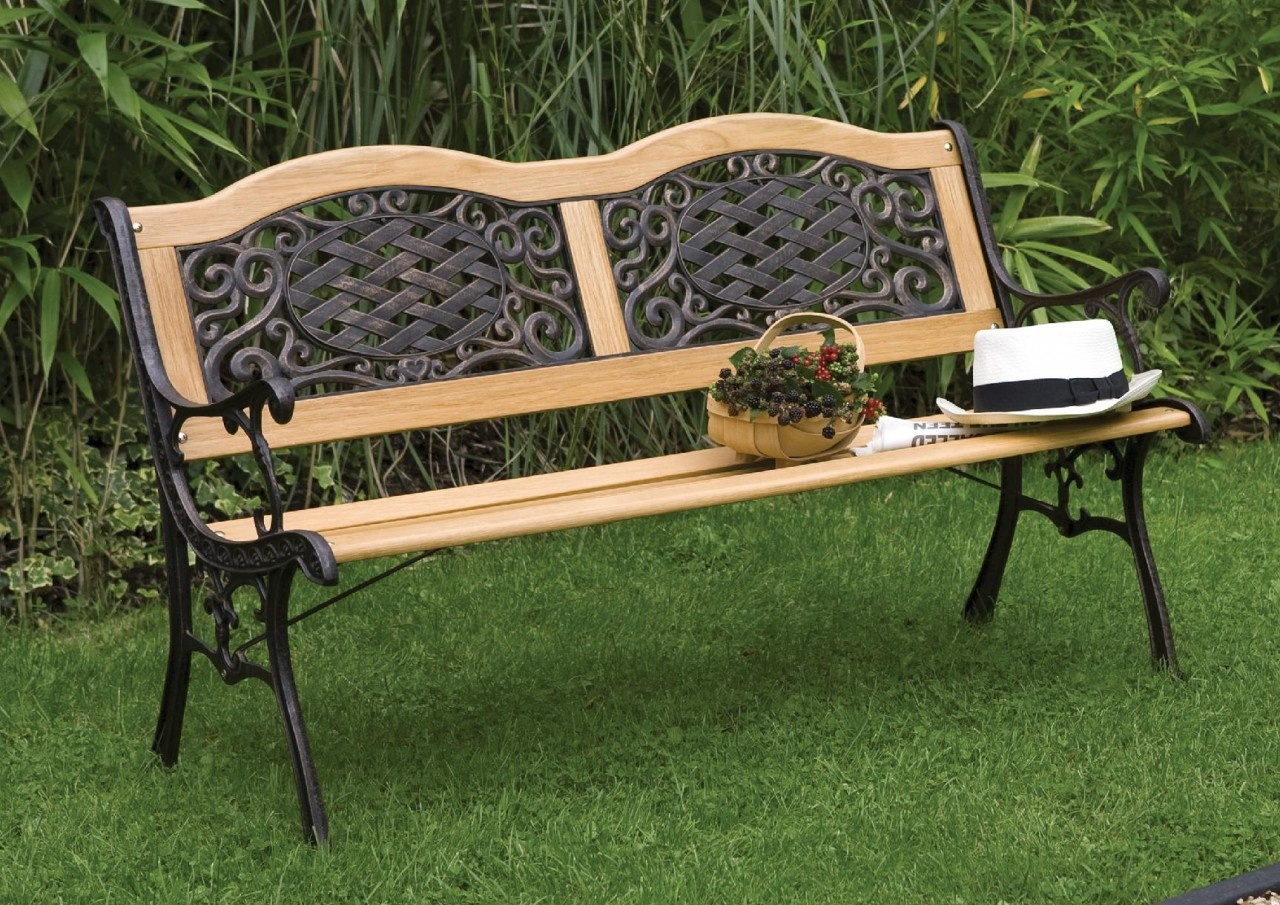Garden benches designs nicez for Designer garden furniture