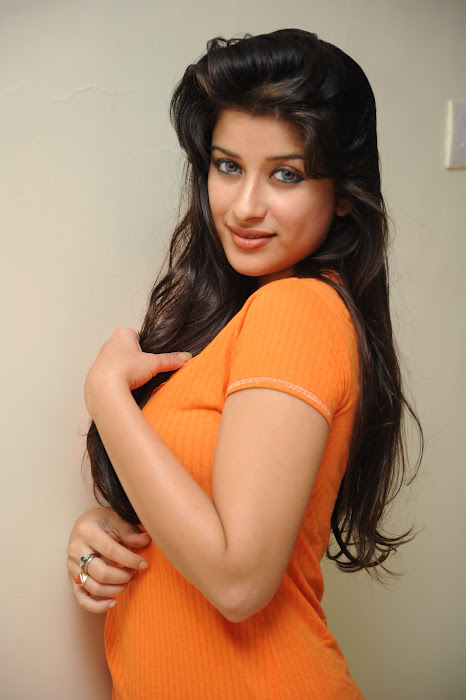 madurima unseen latest photos