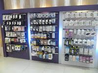 furniture interior semarang etalase display pajangan toko handphone smartphone10