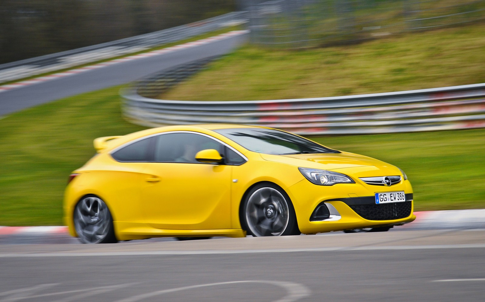 new opel astra j opc exclusive high performance chassis. Black Bedroom Furniture Sets. Home Design Ideas