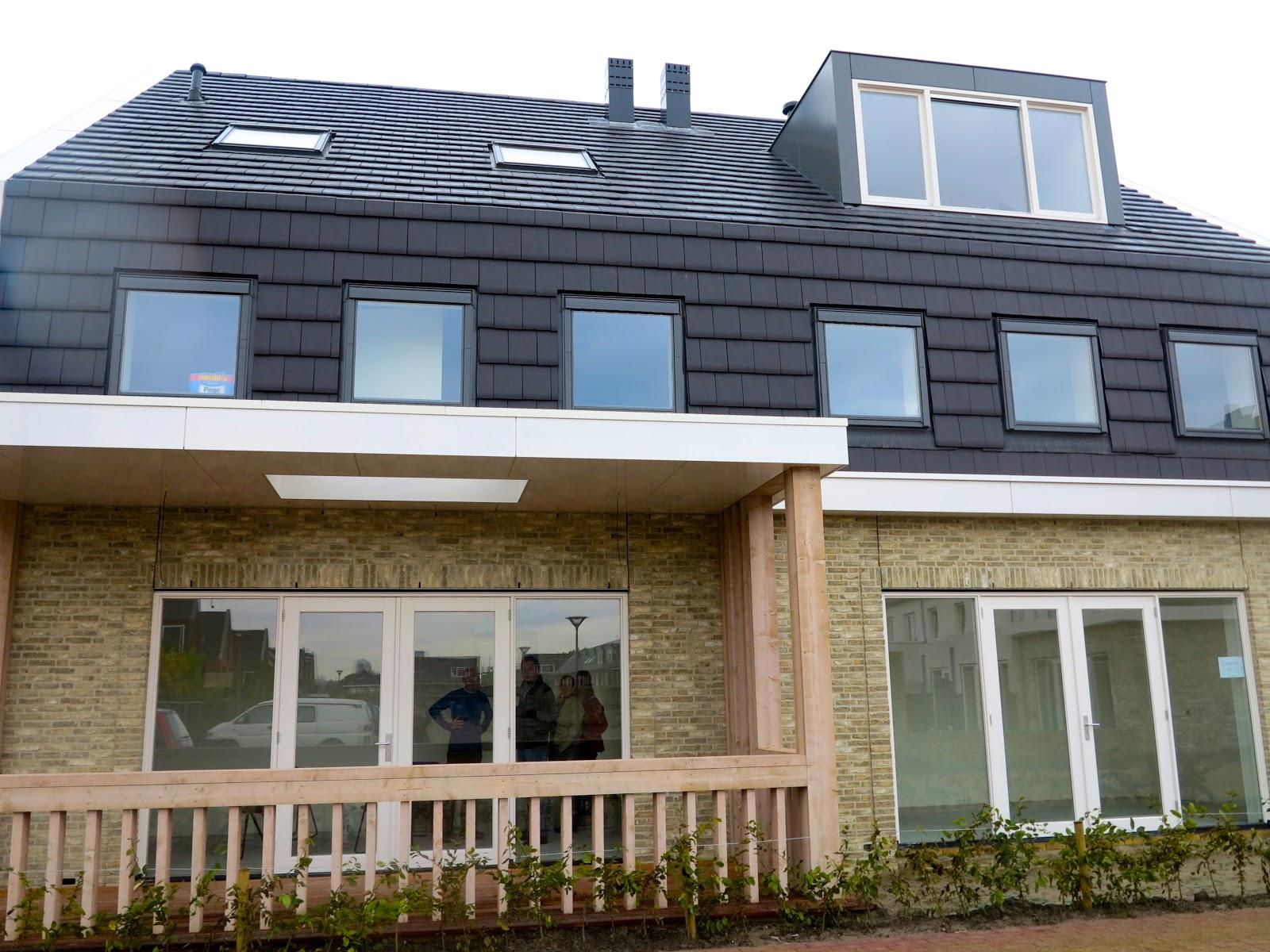 Joehoee de eerste huizen van de verborgen tuin zijn vandaag opgeleverd p a r k 16 h o v e n - Huizen van de wereldbank ...