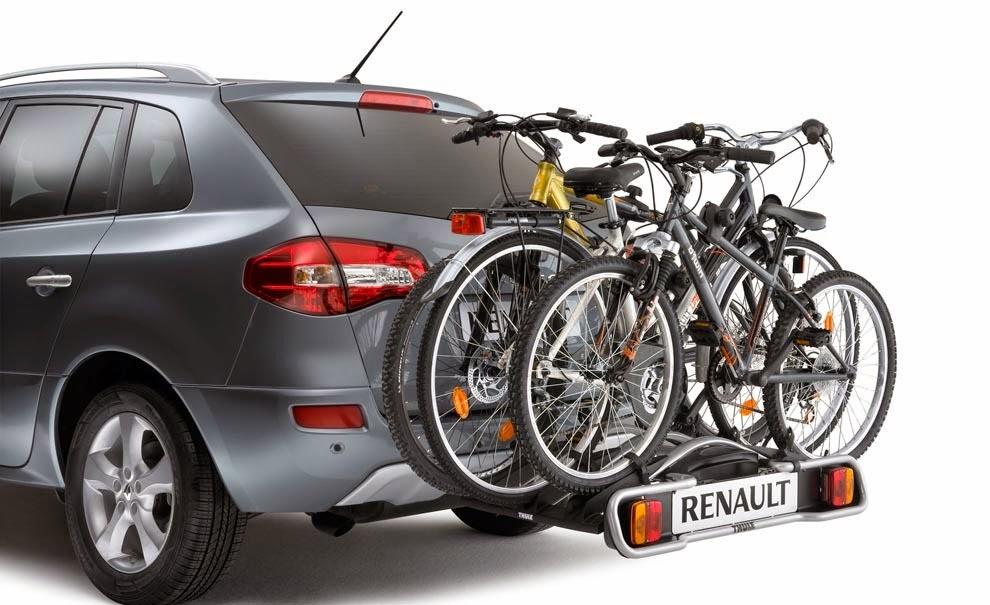 Portabicis y bicicletas en toldo