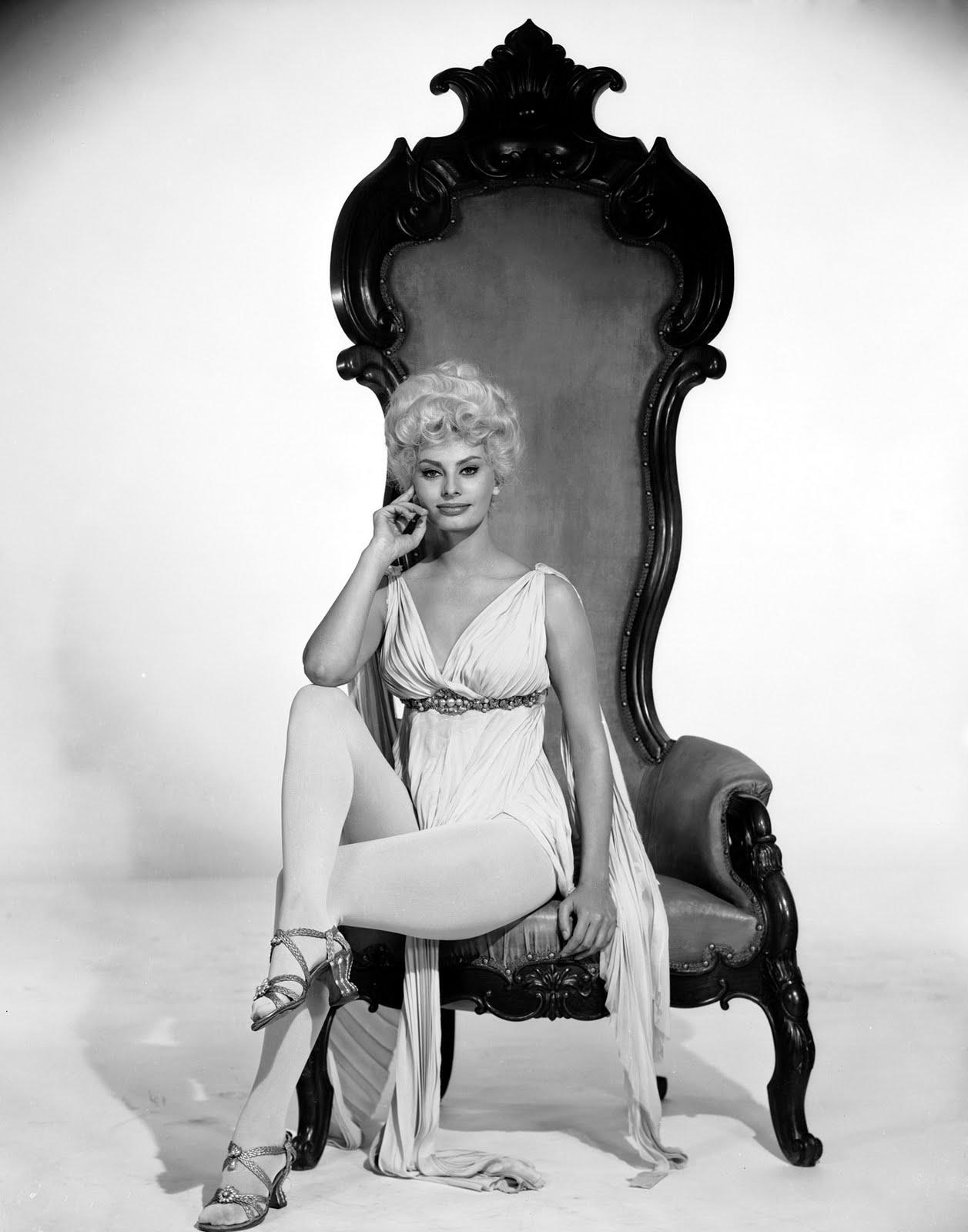 http://2.bp.blogspot.com/-ZdvvphEF7lc/TfpruNGO7-I/AAAAAAAACYw/8rEdL2Q9D2s/s1600/Sophia_Loren__1960_by_foltl.jpg