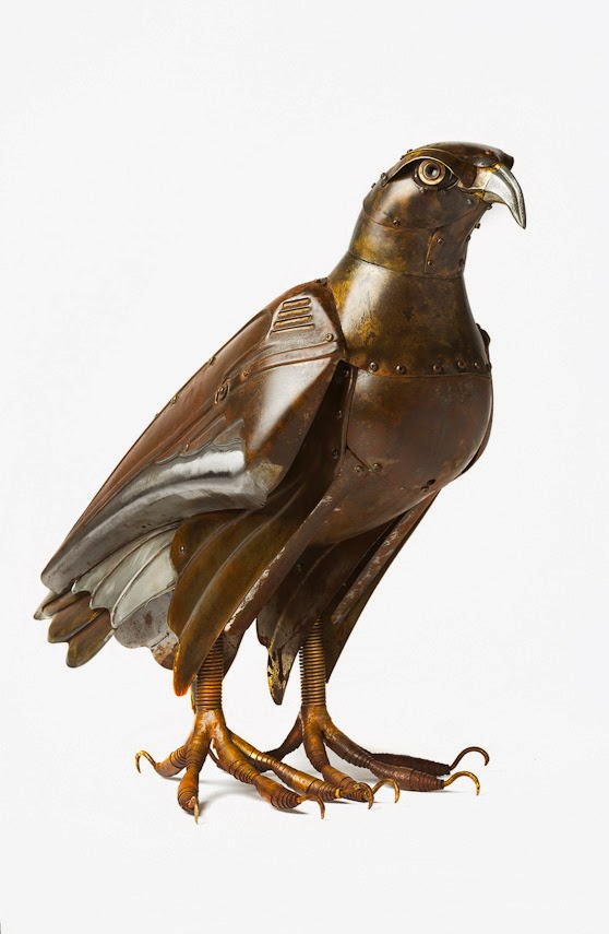 15-Falcon-Edouard-Martinet-Recycled-Sculpture-Wildlife-www-designstack-co