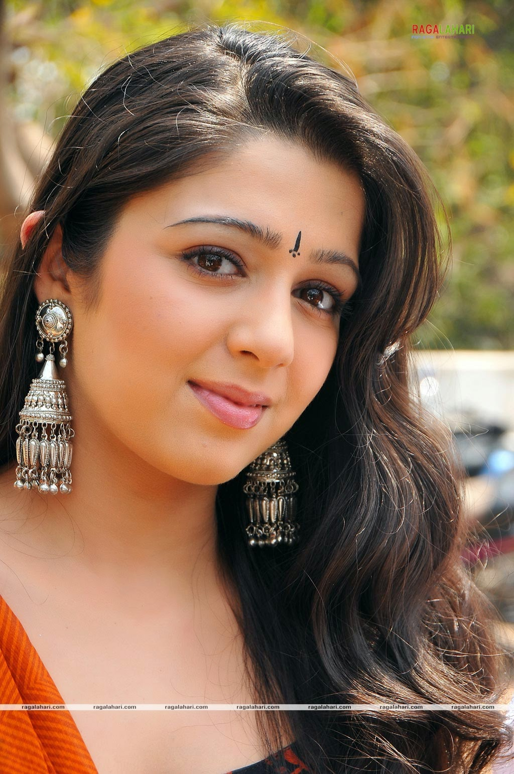 indian hd wallpapers: charmi wallpapers