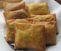 jual Snack Box isi Martabak Telor Daging murah enack lezat halal berkualitas terjamin