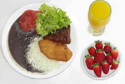 Você pode comer bem, gastando pouco e ainda preservar a sua saúde.