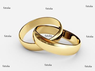 Simple Gold Wedding Ring Set