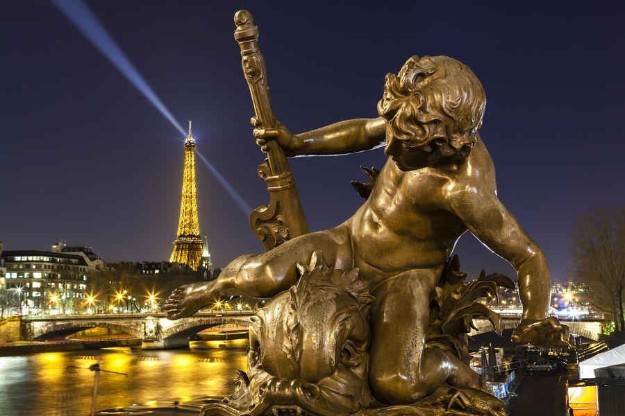 16. L'enfant au poisson fantastique by Guillaume CHANSON