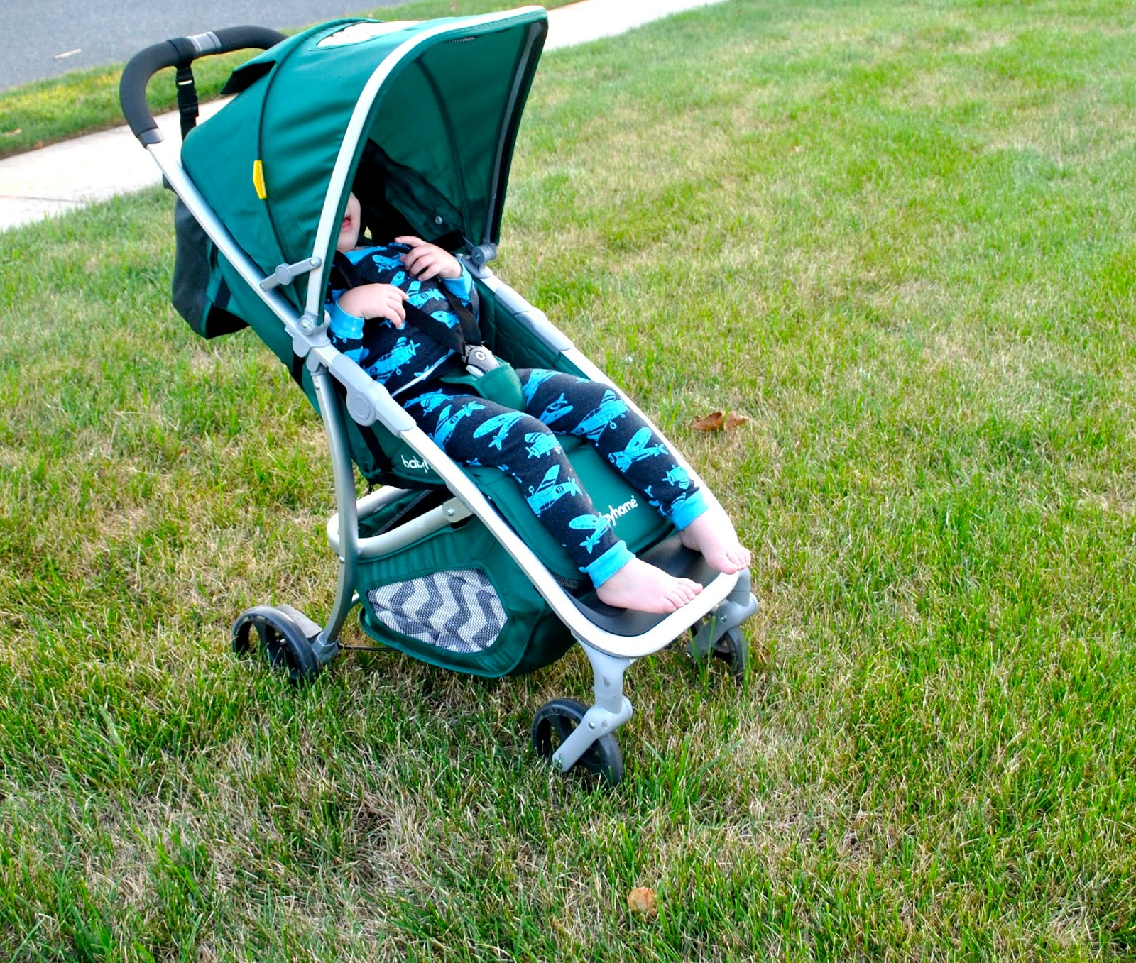 You can even purchase a canopy extender separately! You can also remove the canopy totally for a super tall child or for when using the stroller on a warm ... & ROLL her STROLLER: Babyhome Emotion Review