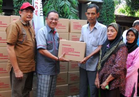 AHM Berbagi 2050 Paket Sembako Lebaran Untuk Masyarakat Pra-Sejahtera