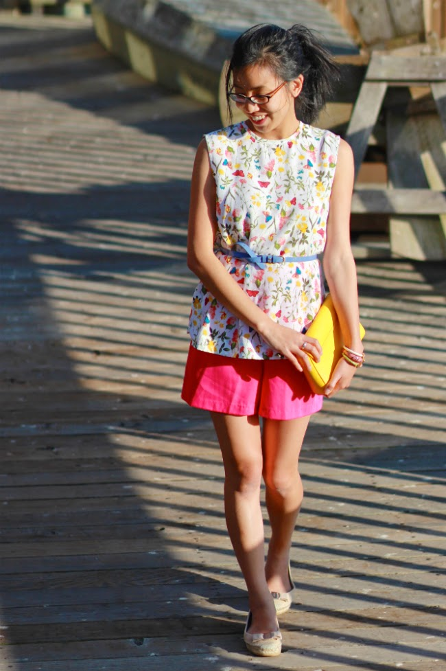 bright summer outfit print spring idea trend