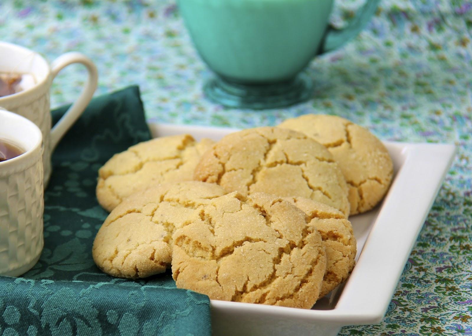 Crinkly, Crackly Vanilla Bean Sugar Cookies - thecafesucrefarine.com