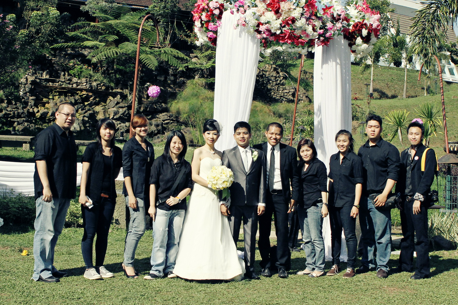 Sun121180 hands organizer 2011 decoration corner decoration master of ceremony adi music entertainment max friends photo ras de portrait photography wedding cake jesse junglespirit Image collections