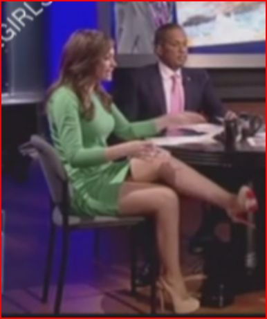 Hot babe Fox anchor upskirt soooo