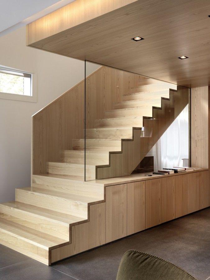 consejos para el y limpieza de las escaleras de madera de interior