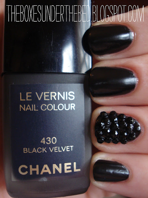 Chanel Black Velvet Le Vernis Nail Polish Swatch