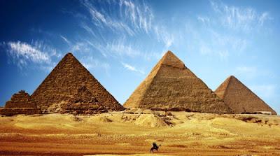 Como foram erguidas as pirâmides do Egito?
