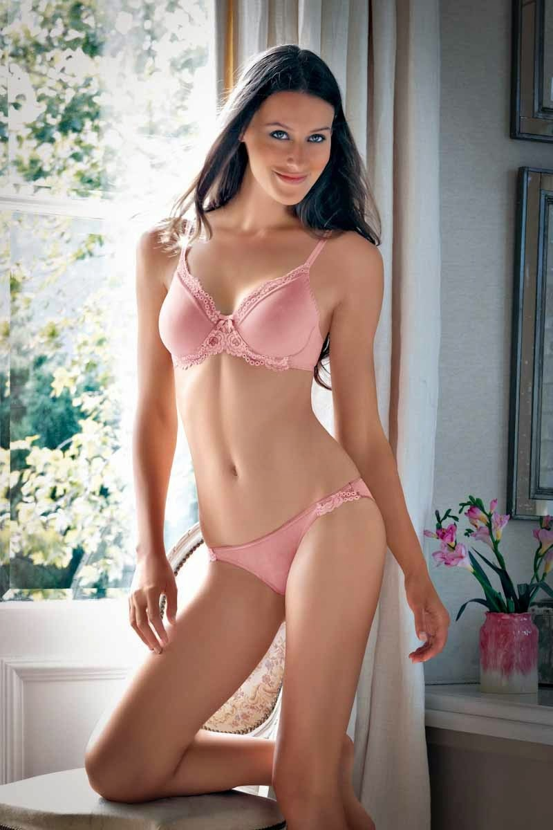 Where can I buy beautiful lingerie for women with curvaceous 46