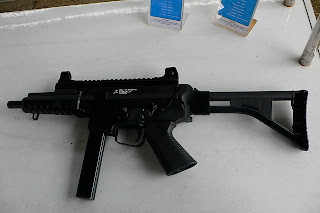 Sub Machine Gun SMG Pindad PM2