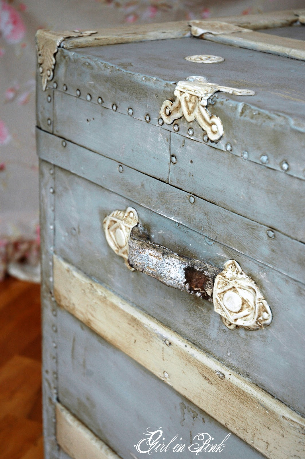 Girl in pink trunk love - How to paint an old trunk ...