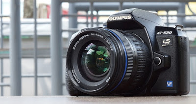 Jual Kamera DSLR Olympus E-520 + Ext Flash Bekas
