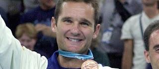 Iñaki Urdangarín con la medalla en los Juegos de Atlanta 1996