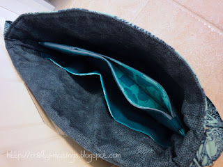 Lilium Laptop Bag-- inside view