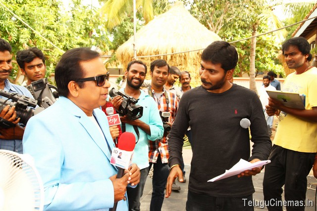 Bengal Tiger Working Stills ,Bengal Tiger photo gallery,Ravi Teja Bengal Tiger stills,Bengal Tiger GALLERY,Bengal Tiger NEWS,Bengal Tiger pictures,Bengal Tiger stills,Bengal Tiger updates,Bengal Tiger news,
