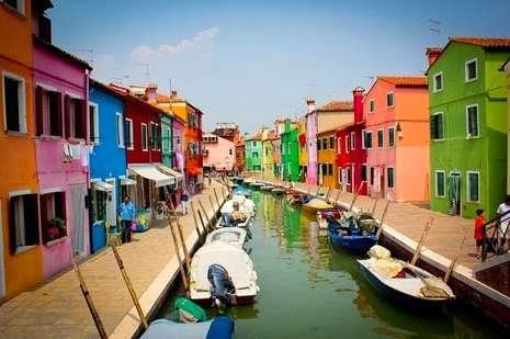 Pulau Berwarna-warni di Venesia
