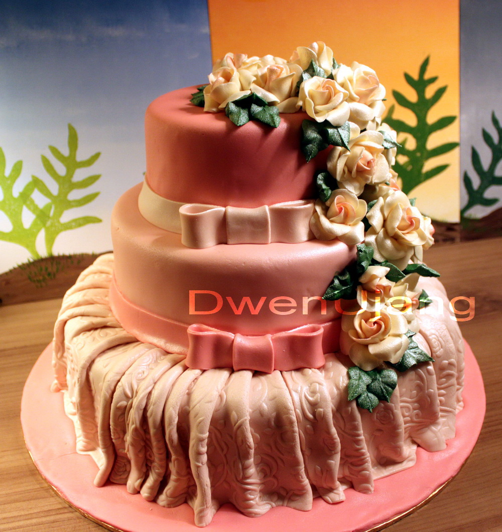 Cake Decorating Classes Usa : Dwen : The Cool Things I Love: Wilton USA & Squires ...