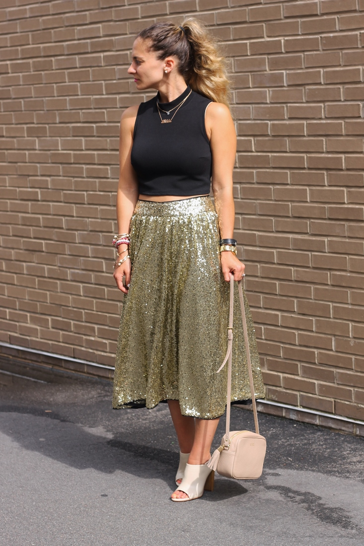 How to wear sequin skirt dressed up