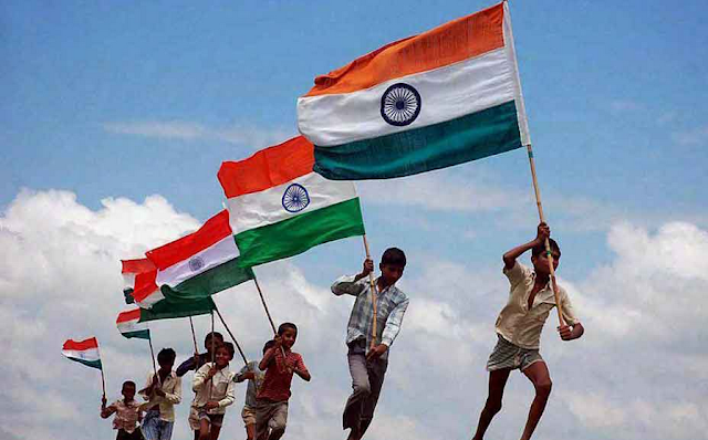 Happy Independence Day 2015 SMS, Quotes, Messages In Hindi, English For Facebook And WhatsApp