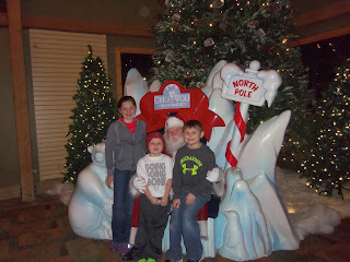 Great Wolf Lodge, Kansas City, Places to visit in Kansas City, Hotel Kansas City, Christmas