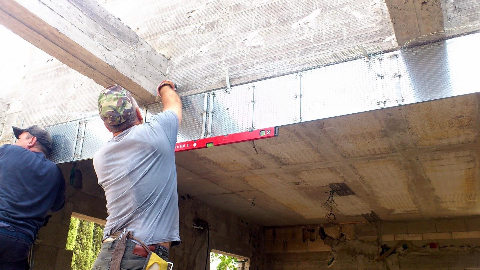 המשך הכנות לטיח - משקופים עיוורים לחלונות