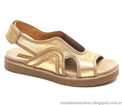 Sandalias primavera verano 2015 Traza calzado femenino. Sandalias doradas bajas 2015.