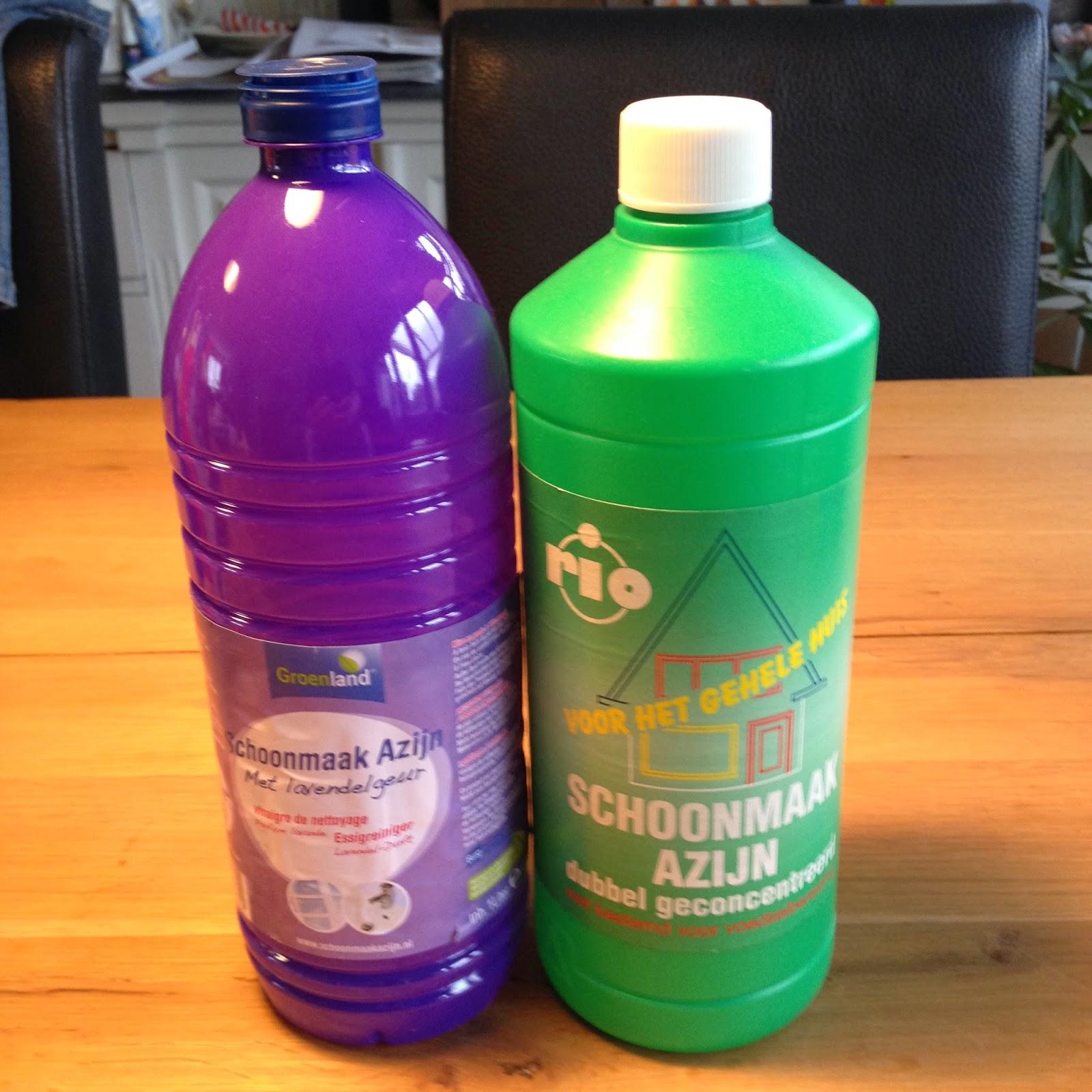 plastic en schoonmaakazijn