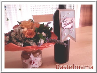 winebottle tag, selbst verzierte Vase, SU Framelits Banner + Stern-Kollektion