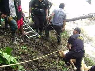 Hallan Cuerpo de Valentin López - en el anexo de Carpapata - imagenes del rescate