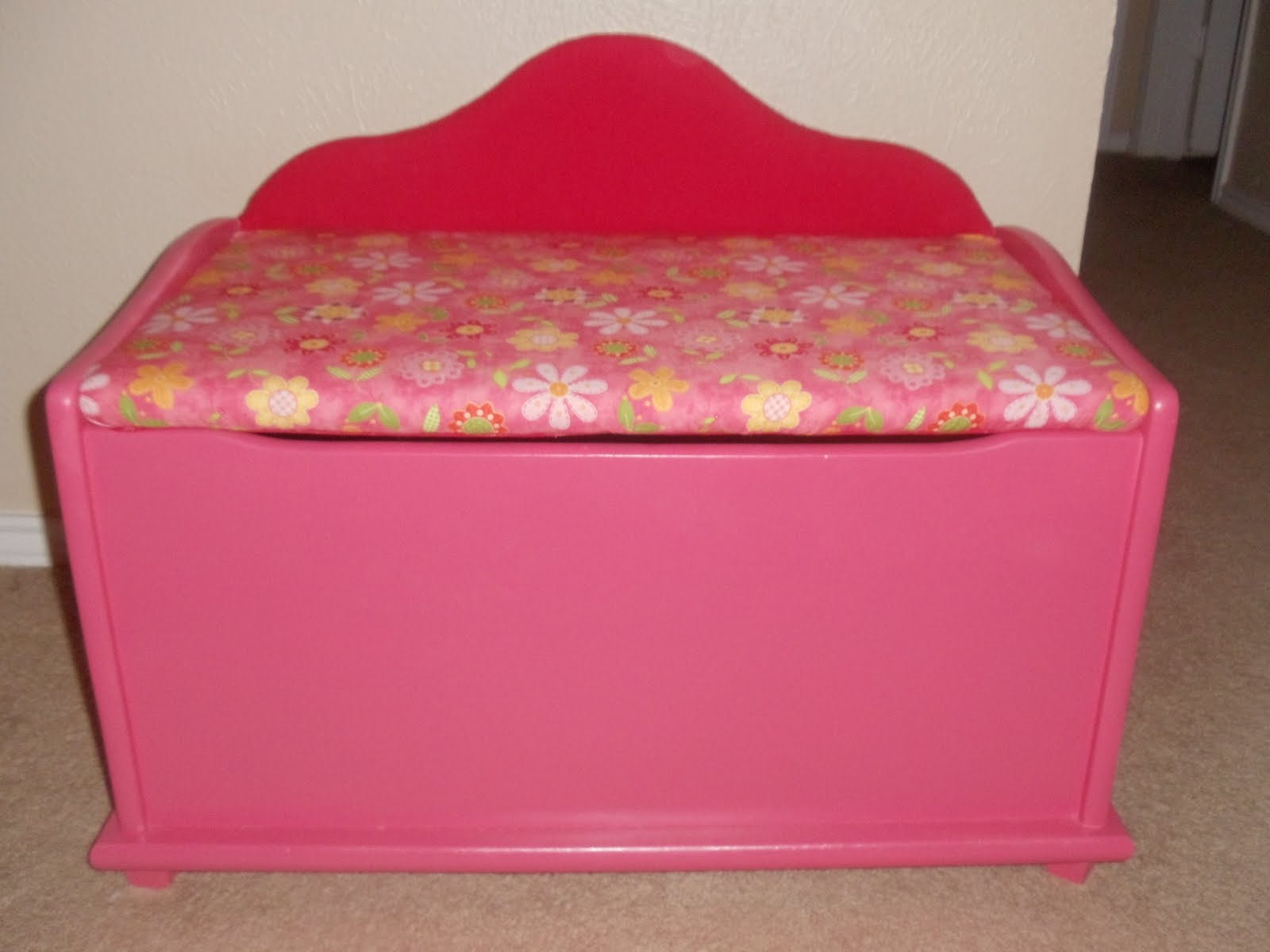Christmas Toy Box : Our silly family refinishing a toy chest