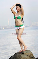 Foto Ranti Yulia di Majalah Popular