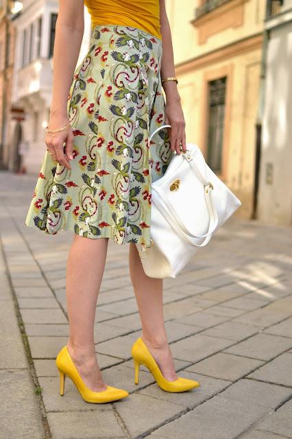 RESET_Katharine-fashion is beautiful_Sukňa_Žltý top_Biela kabelka_Žlté lodičky_Katarína Jakubčová_Fashion blogger