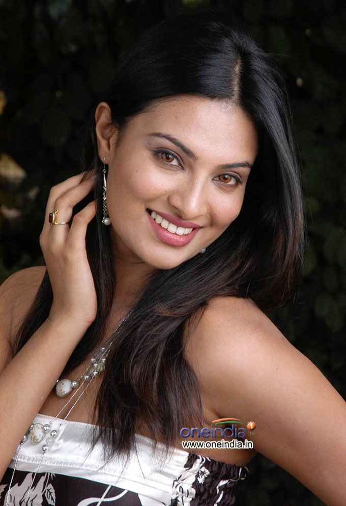 Sayali Bhagat hot Photo Gallery