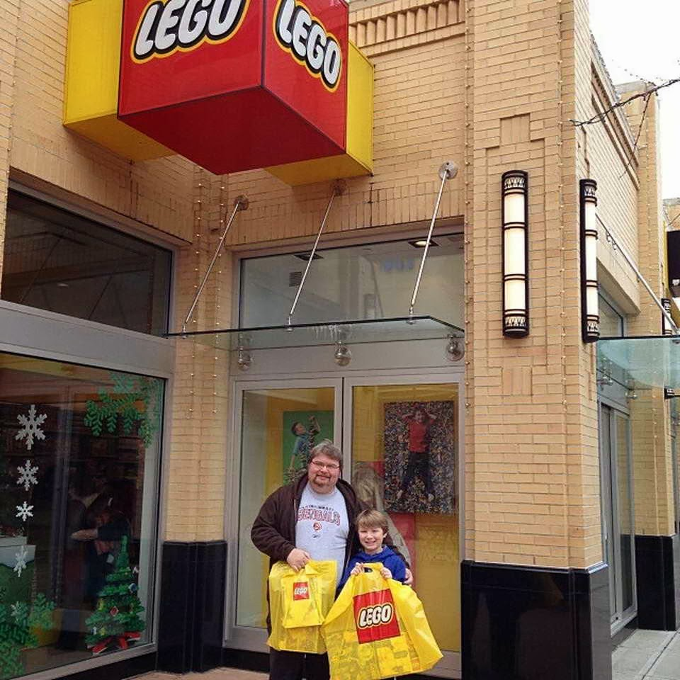 Lego lego store at easton town center columbus oh for Lago store outlet