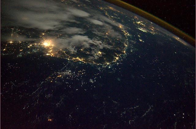 [Ftvh] Bờ biển Việt Nam từ không gian. Tác giả : André Kuipers/NASA/ESA.