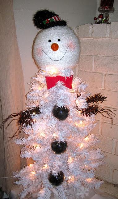 One Creative Momma Snowman Christmas Tree