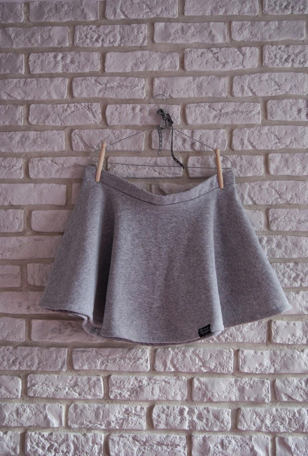 dresowa spódnica z koła 1